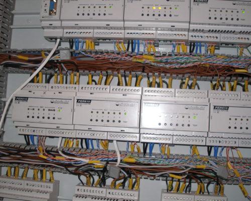 Strukturovaná kabeláž pro inteligentní rozvody elektriky domů i provozoven
