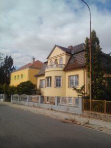 RD s komerčními prostory (Břeclav)